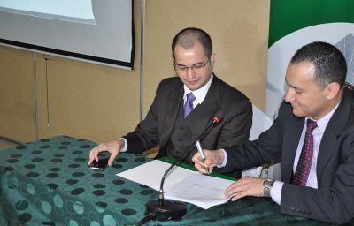 Firman convenio para promover fondos de inversión